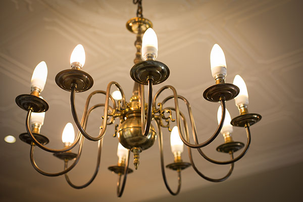 137 Murray Chandelier